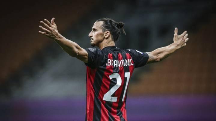 Zlatan Ibrahimovic Nápoles vs Milan