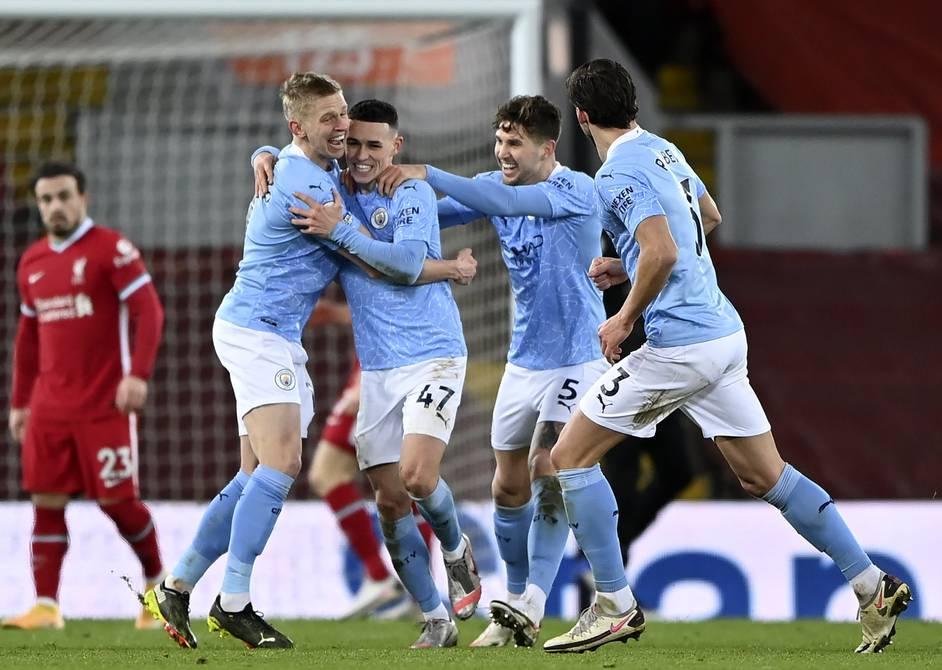 Manchester City toma el liderato de la Premier League